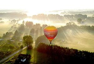 balloon over Berlin